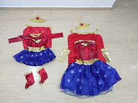 Vendo 2 disfraces mujer maravilla mama e hija