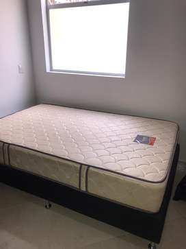 Base Cama y colchon semidoble 1.20m