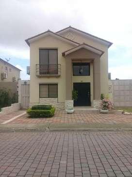 Vendo Casa Ciudad Celeste Norte de Guayaquil
