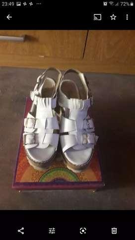 Vendo sandalias en muy buen estado