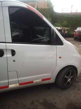 Vendo o permuto minivans modelo 2012 servicio especial