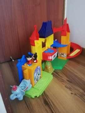 Se vende castillo de Mickey.