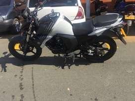 Vendo moto Yamaha FZ MODELO 2019