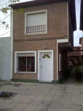 Particular alquila duplex al frente en Di Sarli 128.