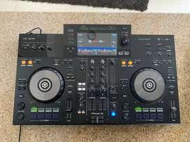PIONER XDJ-RR, Sistema de DJ todo en uno de dos canales.