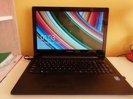 Vendo Laptop Lenovo 9/10  de 19 pulgadas  100% Operativa