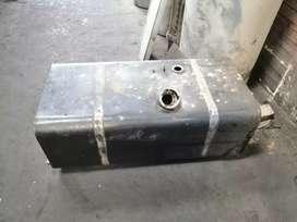 Super Ganga ! Tanque de combustible de Hino FG 500