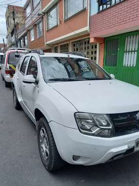 Renault duster versión Discovery Channel 4 x 2 cilindraje 2.0