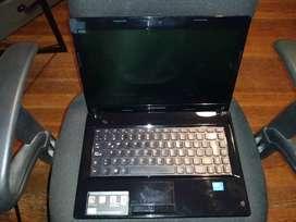 Laptop Lenovo G480 funcionando usada + cargador original dañado