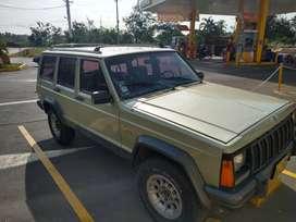 Vendo Cherokee Laredo 4*4 1993