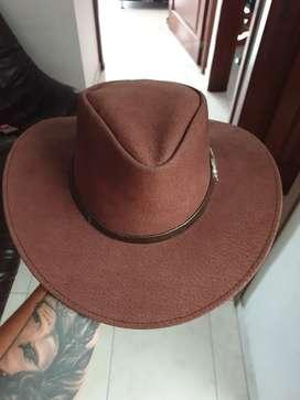 Sombrero en cuero de cerdo