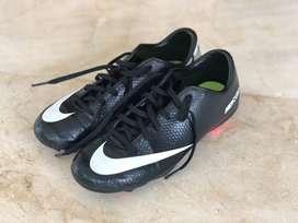 Guayos Zapatos Para Jugar Futbol Nike Mercurial Sin Usar Talla 36,5 A Precio Muy Especial