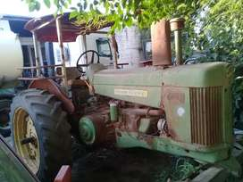 Tractor John Ferre 730