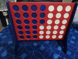 Juego de mesa LINEA 4 (similar al triqui pero de a 4 y en un tablero)
