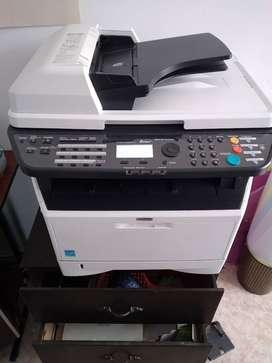 Se vende  fotocopiadora excelente estado