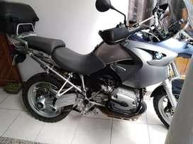 Vendo moto BMW muy cuidada