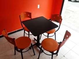 mesa y silla para negocio