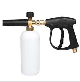 Botellas de espuma y pistolas