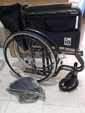 Silla de ruedas, muletas y caminador