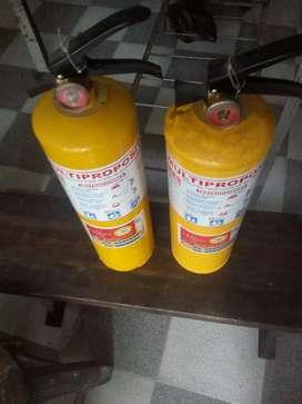 2 Extintores
