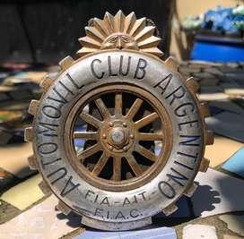 Antigua Insignia Automovil Club