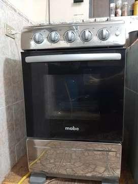 Cocina Mabe 4 hornillas 8 meses de uso.