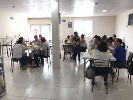 Buscamos cocinera Y chica para atencion de preferencia VENEZOLANAS