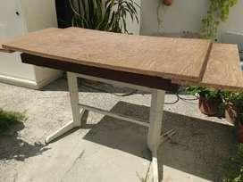 Mesa de cocina para de metal y tabla de formica