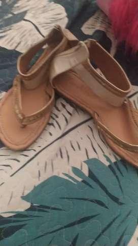 Remató linda sandalias talla 37 super bellas