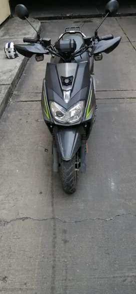 Vendo moto YW125FI modelo 2018