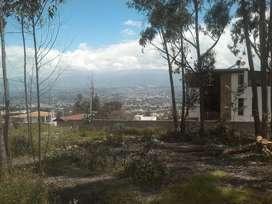 Terreno de venta en Cumbayá, 500m2 con 38 m de frente, San Patricio Alto, a 3 minutos de la Ruta Viva. Hermosa vista