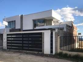 casa con basement Cuenca