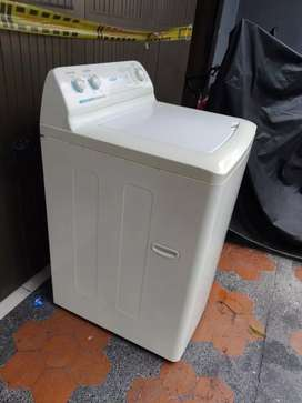 Vendo lavadora centrales Mabe, negociable