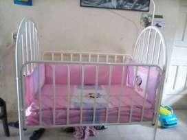 Hermosa cuna para bebé