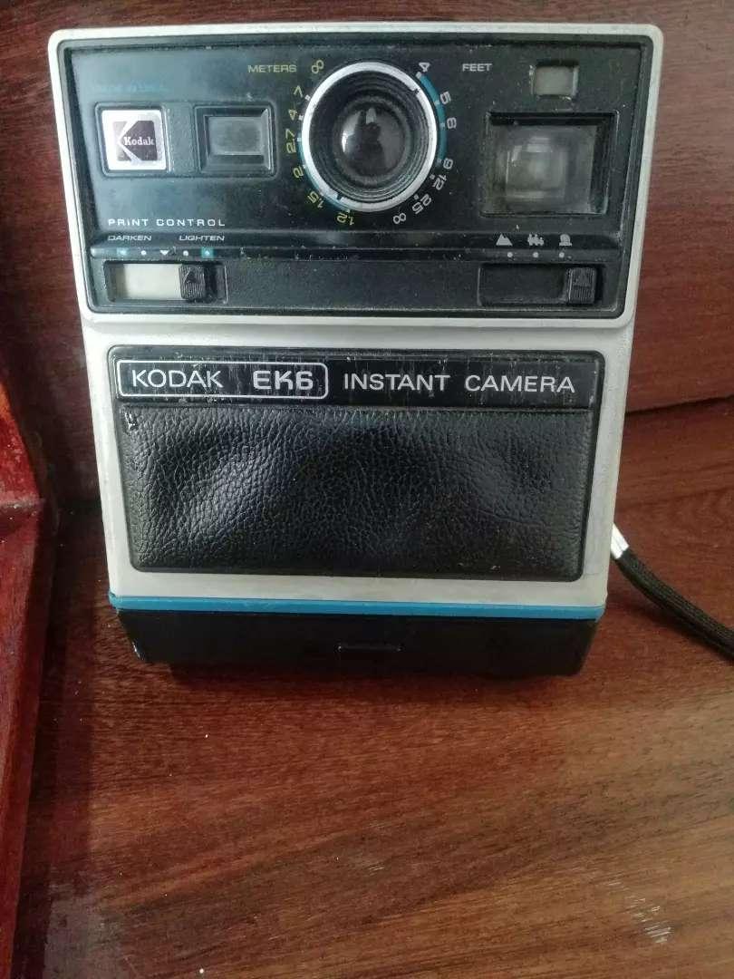Camara Kodak EK6 Instant Camera tal cual como se ve en las fotos 0