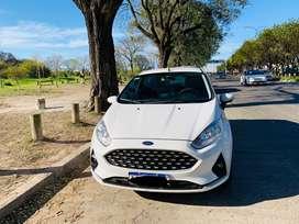 Auto en venta. Modelo 2018 70k.  km