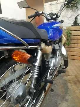 Vendo ax100 o cambio con otra moto de mi interes