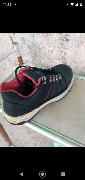 Vendo zapatillas de seguridad, usada, excelente estado.