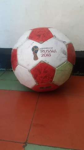 Se vende balon original adidas en 10 mil es usado