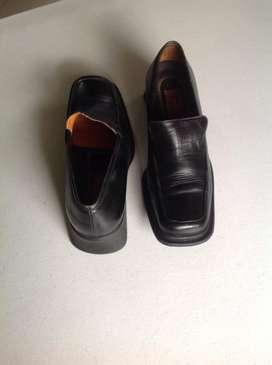 Zapatos Negros / en Puro Cuero