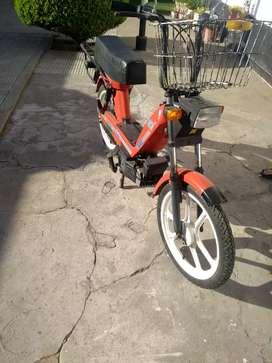 Moto Garelli Noi Matic en buen estado