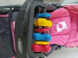 Vendo corral y coche marca Priori para niña
