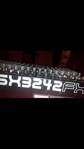 Mezclador de sonido behringer eurodesk