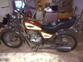 Vendo moto motomel custom 150cc