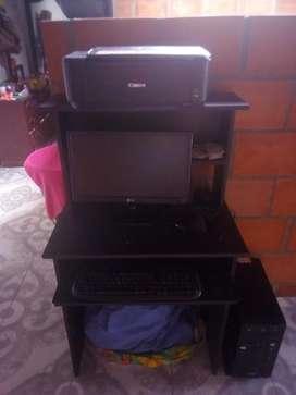 Computador Lg, impresora Lg, mueble compu