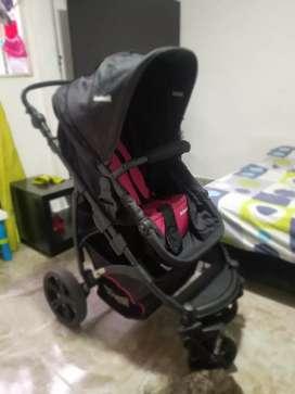 Se vende coche bebe niña en excelente estado