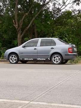 Vendo auto skoda fabia en buen estado full con aire lo vendo por urgencia 5500 negociable