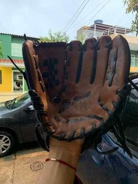 Se vende bate de baseboll TMX, y manilla como nuevos.