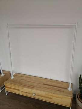 Mueble para Colgar Ropa