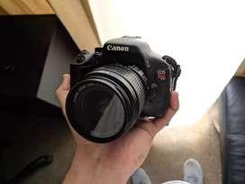 Cámara Canon t3i, 3 lentes, sd, trípode, maletín, accesorios.